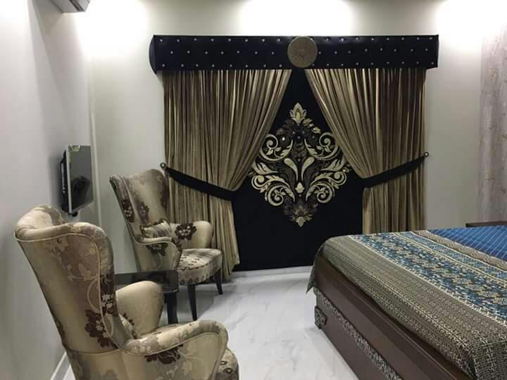Curtain shop in karachi curtain price in pakistan for Window design pakistan
